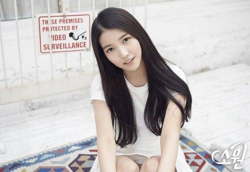GFriend দেওয়ালপত্র possibly with a portrait called GFRIEND (여자친구) Sowon