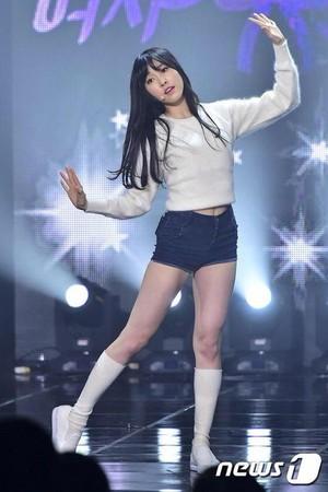 GFriend Yuju - Live 'The Show'