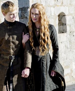 Cersei Lannister & Tommen Baratheon