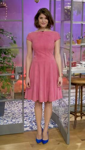Gemma Arterton wallpaper with a cocktail dress entitled Gemma Arterton