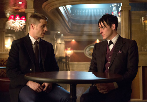 Gotham wallpaper with a business suit, a suit, and a dress suit titled Gotham - Episode 1.13 - Welcome Back, Jim Gordon