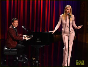 Gwyneth Paltrow @ The Tonight दिखाना Starring Jimmy Fallon on Wednesday (January 14) in New York City.