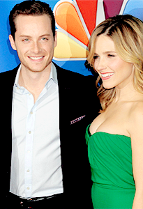 Jesse Lee Soffer and Sophia ブッシュ