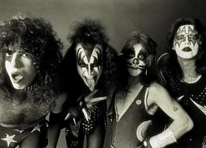 KISS 1976