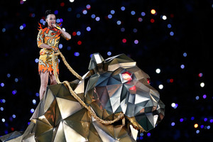 Katy Perry Performs in the Super Bowl XLIX Halftime mostra