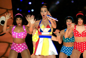 Katy Perry Performs in the Super Bowl XLIX Halftime Zeigen