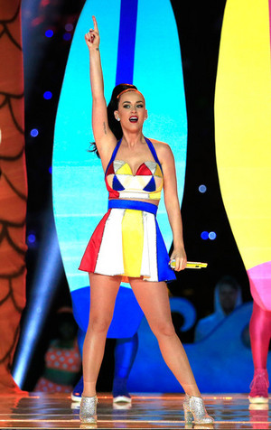 Katy Perry Performs in the Super Bowl XLIX Halftime onyesha