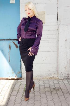 Kim Wilde - She's A Beauty