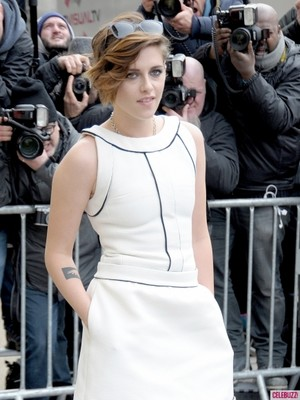 Kristen at the 2015 Spring-Summer Fashion প্রদর্শনী