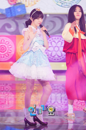 Lizzy performing 'Not an Easy Girl' on Inkigayo
