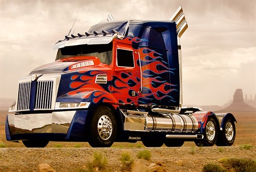 Optimus Prime wallpaper probably containing a trailer truck called Optimus Prime - Western stella, star