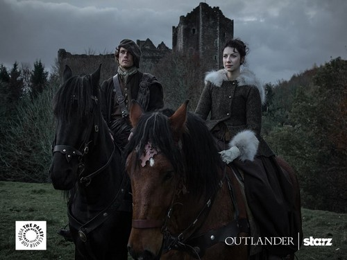 outlander serie de televisión 2014 fondo de pantalla containing a horse wrangler, a horse trail, and a racehorse entitled Outlander Season 1 Promotional Picture