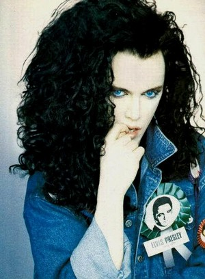 Pete Burns (Dead 또는 Alive)