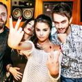 Randomness - selena-gomez photo
