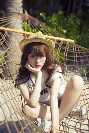 Shiraishi Mai's Photobook 「MAI STYLE」