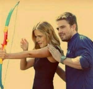 Stephen Amell & Emily Bett Rickards پیپر وال called Stephen Amell and Emily Bett Rickards
