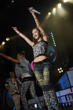 Tomomi Itano Live Tour ~S×W×A×G~