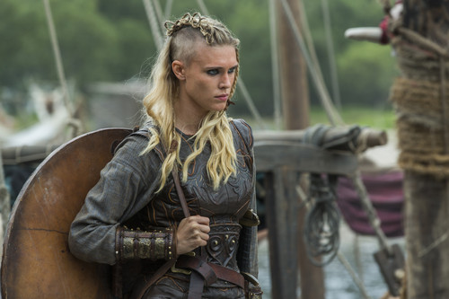 Vikings (TV Series) پیپر وال containing a horse wrangler, a horse trail, and a lippizan entitled Vikings Season 3 - 3x01 - stills