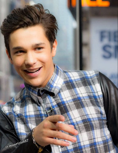 austin mahone wallpaper possibly containing a street, a sign, and a kantin, diner titled austin mahone, 2015