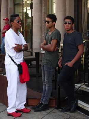 jermaine jackson with sons jaafar jackson and jermajesty jackson at the commons in calabasas