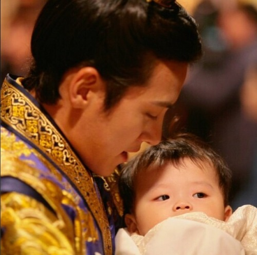 Ji Chang Wook Обои probably containing a neonate called Empress Ki
