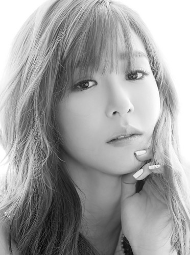 Tiffany Hwang wallpaper possibly with a portrait titled  Tiffany – Oh Boy! Korea