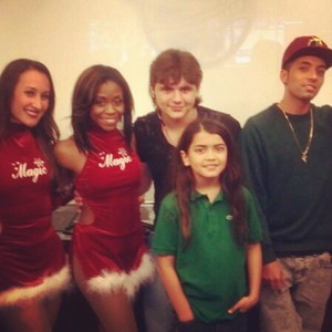 2 girls, prince jackson, blanket jackson and omer bhatti