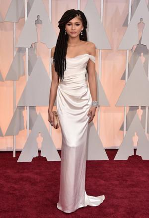 2015 Academy Awards, Zendaya on Oscar Red Carpet