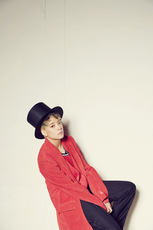 Amber – Concept foto For 'Beautiful'