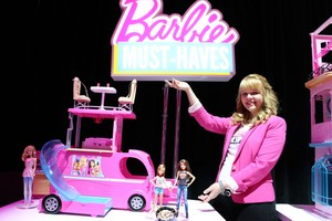 Barbie and Her Sisters: The Great کتے Adventure Dolls & Camper