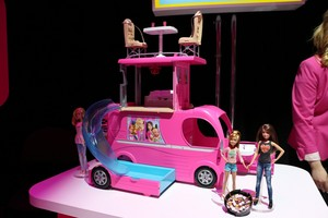 barbie and Her Sisters: The Great perrito, cachorro Adventure muñecas & Camper