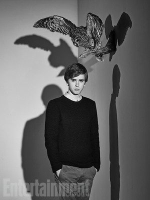 Bates Motel Season 3 promotional picture
