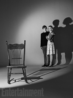 Bates Motel Season 3 promotional picture