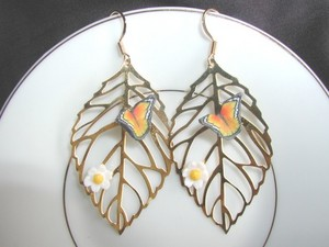 kupu-kupu Earrings