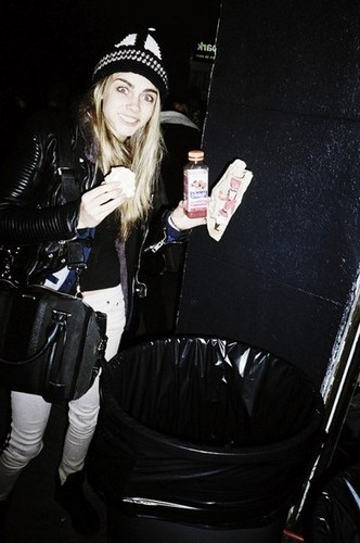 Cara Delevingne Обои probably with a hip boot, an automobile, and a улица, уличный titled Cara Delevingne