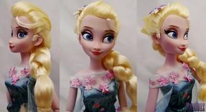 Closer Look at the Дисней Store Холодное сердце Fever Elsa classic doll