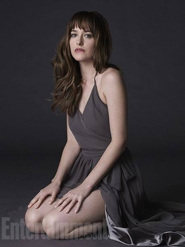 Fifty Shades-Trilogie Hintergrund possibly containing a cocktail dress and a portrait entitled Dakota Johnson
