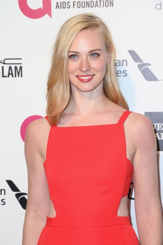 Deborah Ann Woll 壁紙 possibly with a カクテル dress and a portrait called Deborah Ann Woll