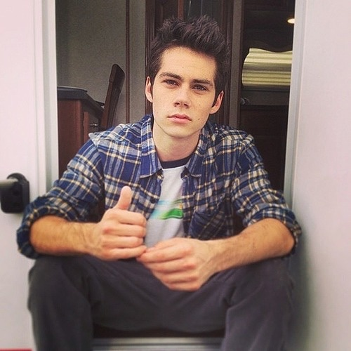 Dylan O'Brien پیپر وال probably with a sign called Dylan O'Brien