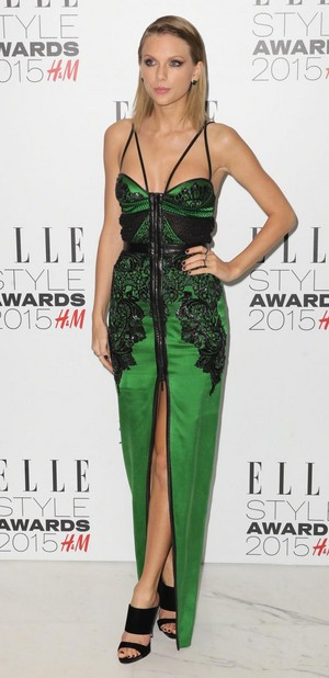ELLE Style Awards Red Carpet: Taylor pantas, swift surprisingly wears green