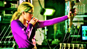 Emily Bett Rickards as Felicity Smoak wallpaper