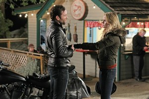 Emma and August - 1x20