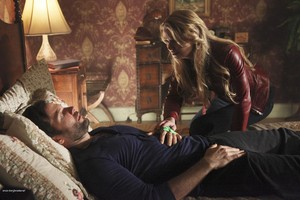 Emma and August - 1x22