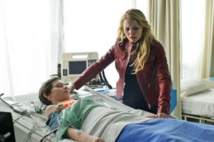 Emma and Henry - 1x22