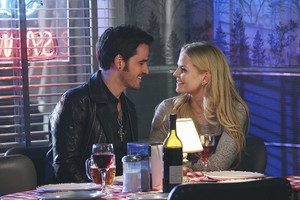 Emma and Hook - 4x12