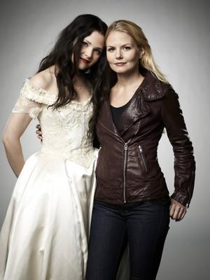 Emma and Snow - Season 2