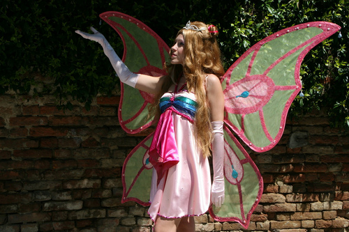 Winx Club hình nền entitled Flora Enchantix cosplay