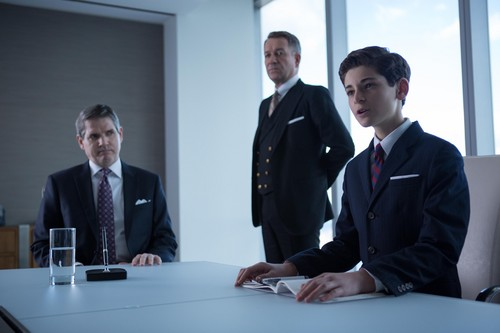 Gotham wallpaper with a business suit and a suit titled Gotham - Episode 1.16 - The Blind Fortune Teller