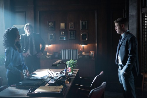 Gotham wallpaper with a living room called Gotham - Episode 1.16 - The Blind Fortune Teller