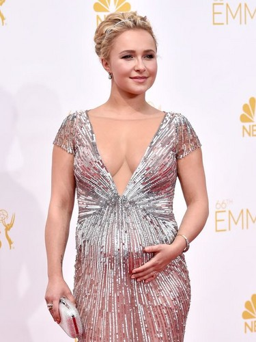 Hayden Panettiere wallpaper possibly containing a dinner dress, a cocktail dress, and a gown called Hayden at the Emmys